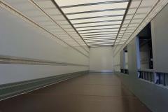 1 Achs Sattelauflieger mit Zwangslenkung, Möbel Kofferaufbau einer unterfahrbaren Ladebordwand (1)