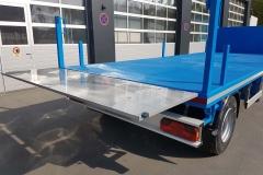 2 Achs Drehschemel Anhänger mit Plaeteau Aufbau und waagerecht stellbarer Heckbordwand zur Verlängerung der Ladefläche (3)