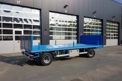 2 Achs Drehschemel Anhänger mit Plaeteau Aufbau und waagerecht stellbarer Heckbordwand zur Verlängerung der Ladefläche (4)