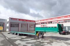 2 Achs Sattelauflieger mit Plateau Aufbau und Auffahrrampen zum Transport von Landmaschinen (6)