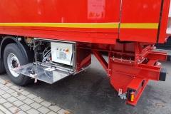 3 Achs Sattelauflieger mit Sandwich Kofferaufbau, automatischen Rolltor für maximale Durchladebreite mit einem Lamellenbandsystem von Cargo Floor (1)