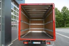Aluminium Kofferaufbau mit Stäbchen Bindeleisten auf Iveco Daily Fahrgestell (1)