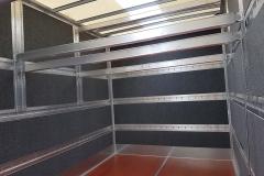 aufgesetztes Doppelstocksystem in einem Möbelkoffer