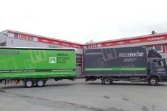 Gliederzug mit Koffer-LKW Aufbau mit Ladebordwand und Tandemanhänger mit Schiebespann Planenaufbau (3)