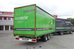 Gliederzug mit Koffer-LKW Aufbau mit Ladebordwand und Tandemanhänger mit Schiebespann Planenaufbau (1)