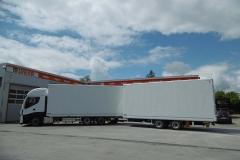 Gliederzug mit Kofferaufbau nach ADR EX 3 (1)