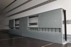 Kasten zur Verstauung von Sockelleisten, inkl. außen liegender Stäbchen Bindelesite zur Ladungssicherung von Möbeln
