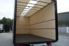 Kofferaufbau in Aluminium Klemmbauweise mit ausziehbarer Möbeltreppe (1)