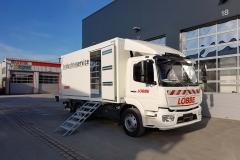 Kofferaufbau in Sandwichbauweise mit Seitentür und hinterschlagender Ladebordwand für mobilen Werkstattwagen (1)