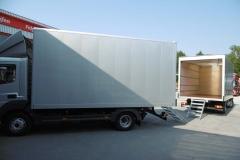 Möbelkoffer mit Aluminium Klemmbau Ausführung und Rolltor, inkl. ausziehbarer Möbeltreppe (1)