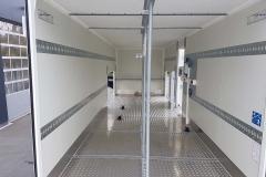 Sandwich Kofferaufbau mit Seitentüren, einer federgestellenm Seitentreppe, Standheizung und einer speziellen Ladungssicherung (1)