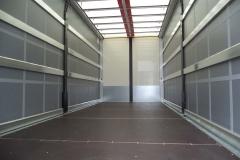 Schiebespannplanenaufbau mit Eisfreisystem auf LKW Fahrgestell (2)