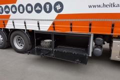 Schiebesplann Planenaufbau mit Staplerhalterung auf LKW Fahrgestell (5)