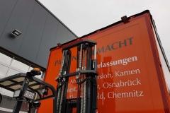 Schiebesplann Planenaufbau mit Staplerhalterung auf LKW Fahrgestell (6)
