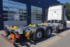 Wechselrahmen mit Höhenverstellung in verzinkter Bauweise auf LKW Fahrgestell (1)